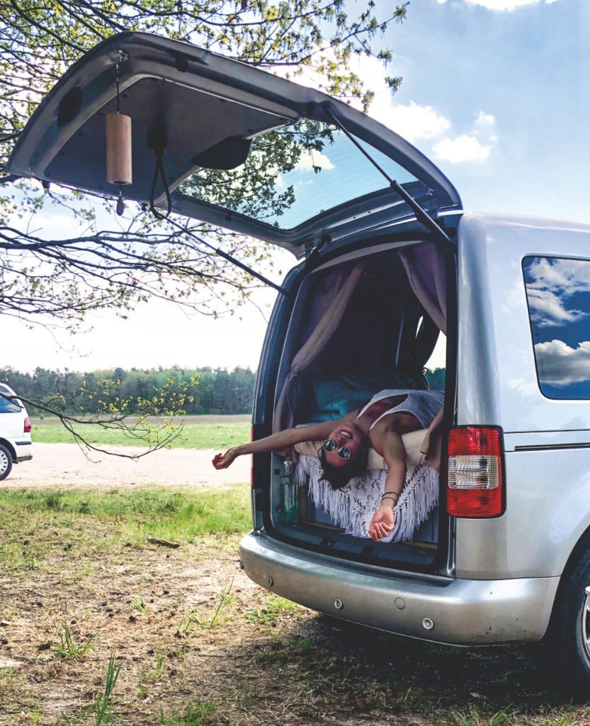 minicamper bett VW Caddy Camper Packliste