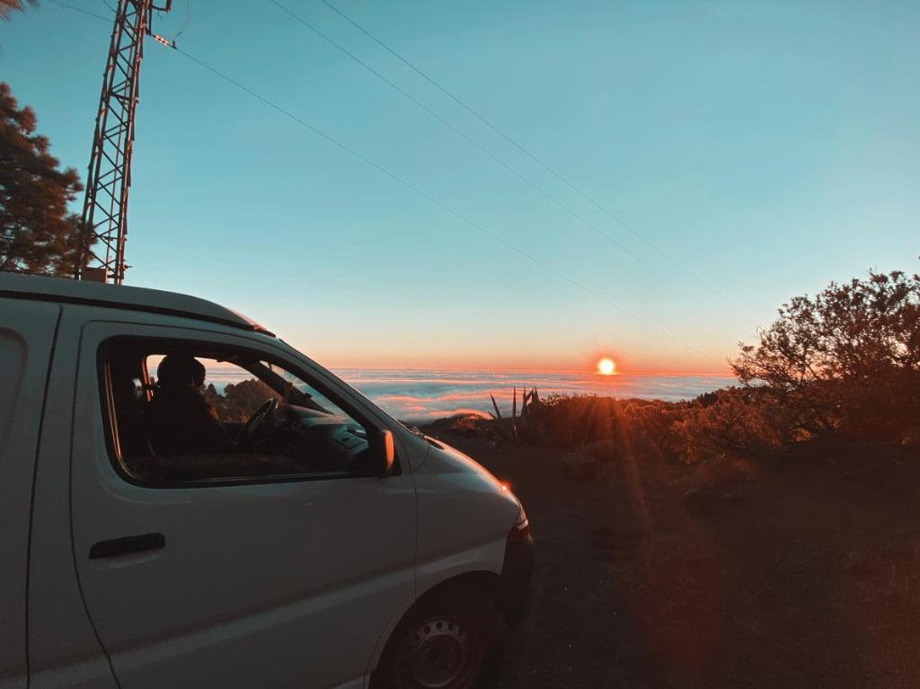 Sonnenuntergang mit den Camper auf Gran Canaria