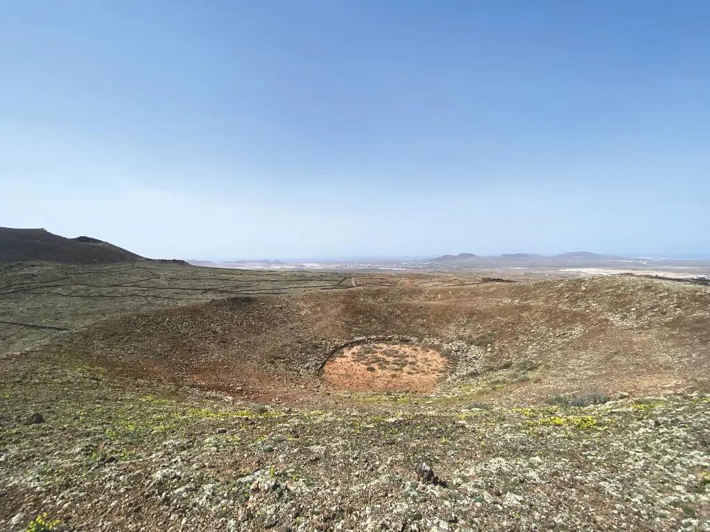 Blick ins Krater von Volcán de los Saltos in Villaverde auf Fuerteventura