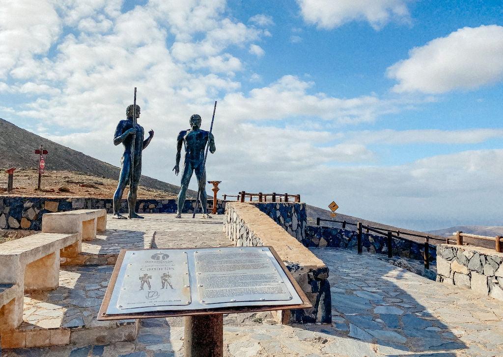 Das Aussichtspunkt von Guise und Ayose in Betancuria auf Fuerteventura
