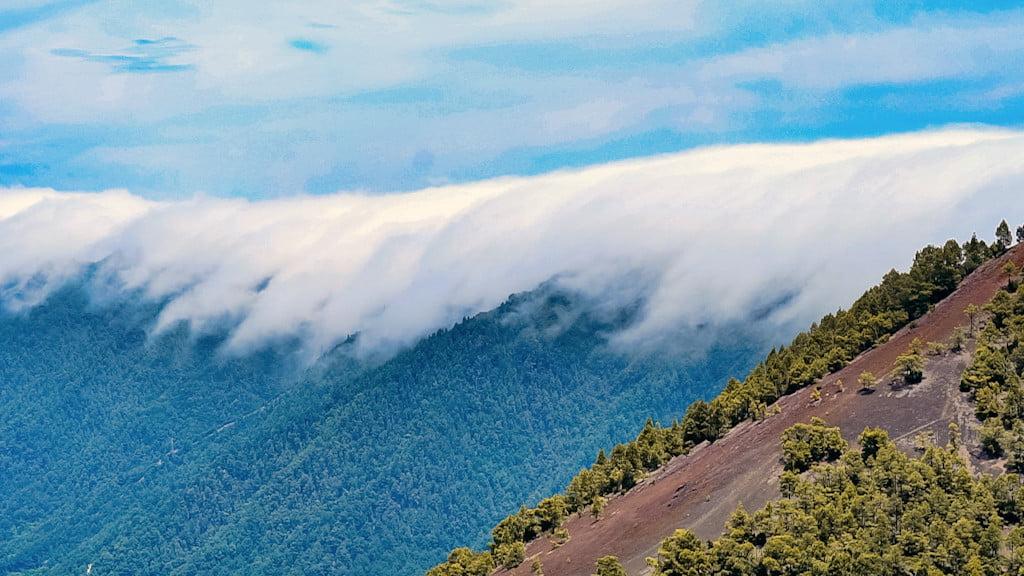 Wolkenwasserfall auf La Palma