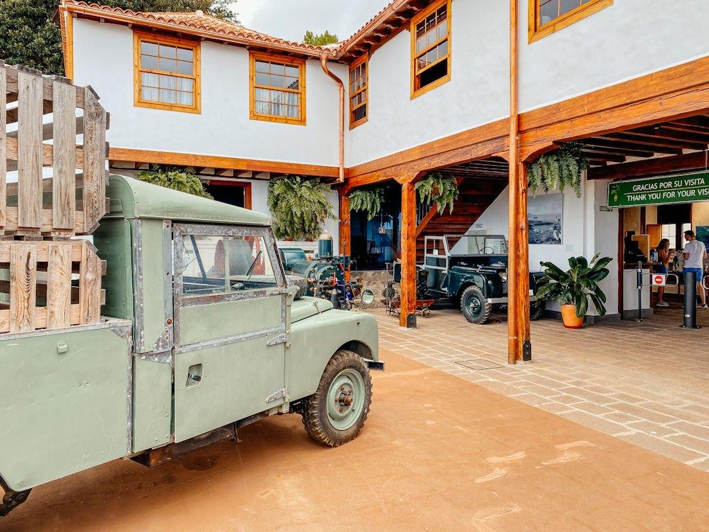 Altes autos in der Casa del Plátano